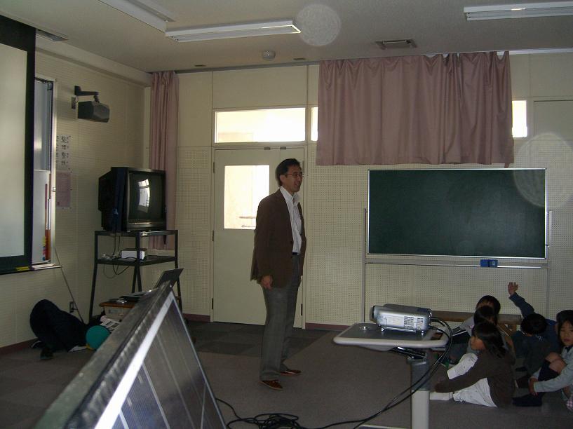 再び竜南小学校で授業を行いました。