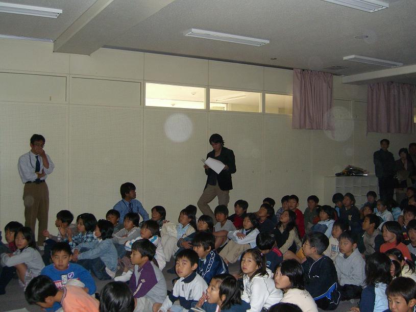 総合学習の特別授業で、一部ご父兄の方も見えていました。